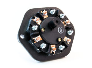7-Way Receptacle, Split Pin, 30A Circuit Breakers