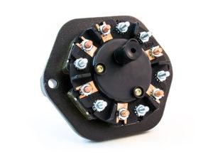 7-Way Receptacle, Split Pin, 40A Circuit Breakers