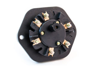 7-Way Receptacle with Stacking Studs, Solid Pin