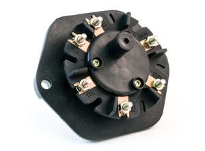 7-Way Zinc Receptacle without Circuit Breakers, Solid Pin